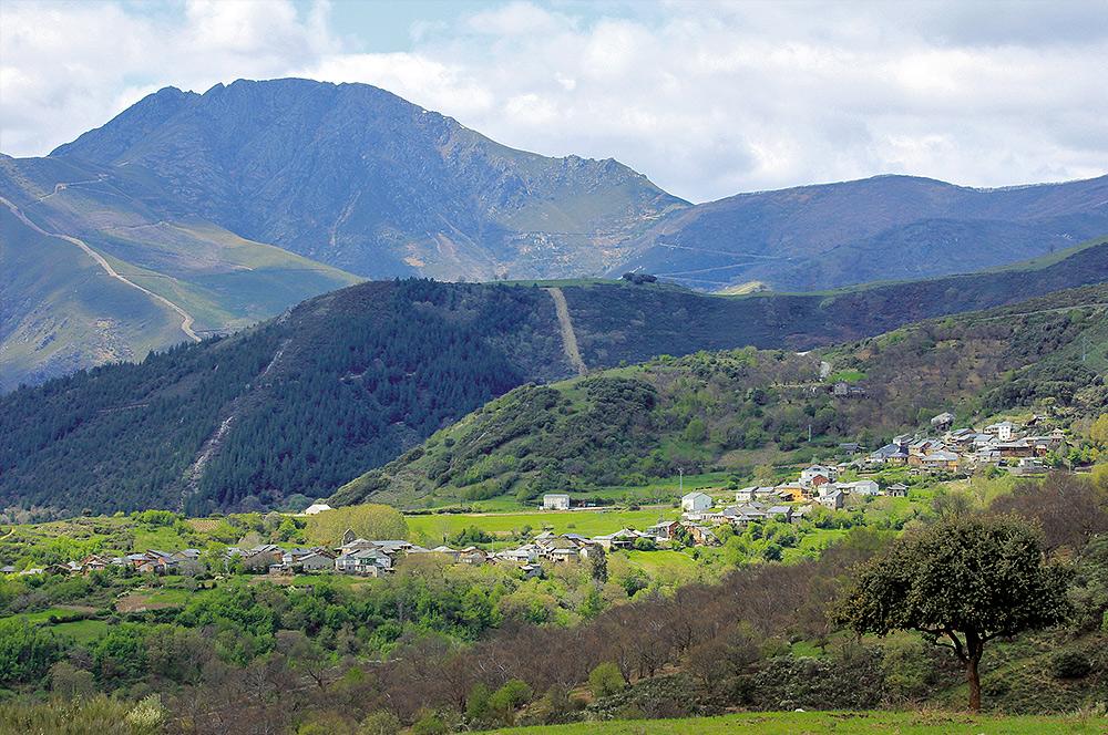 Vista rural Corullón